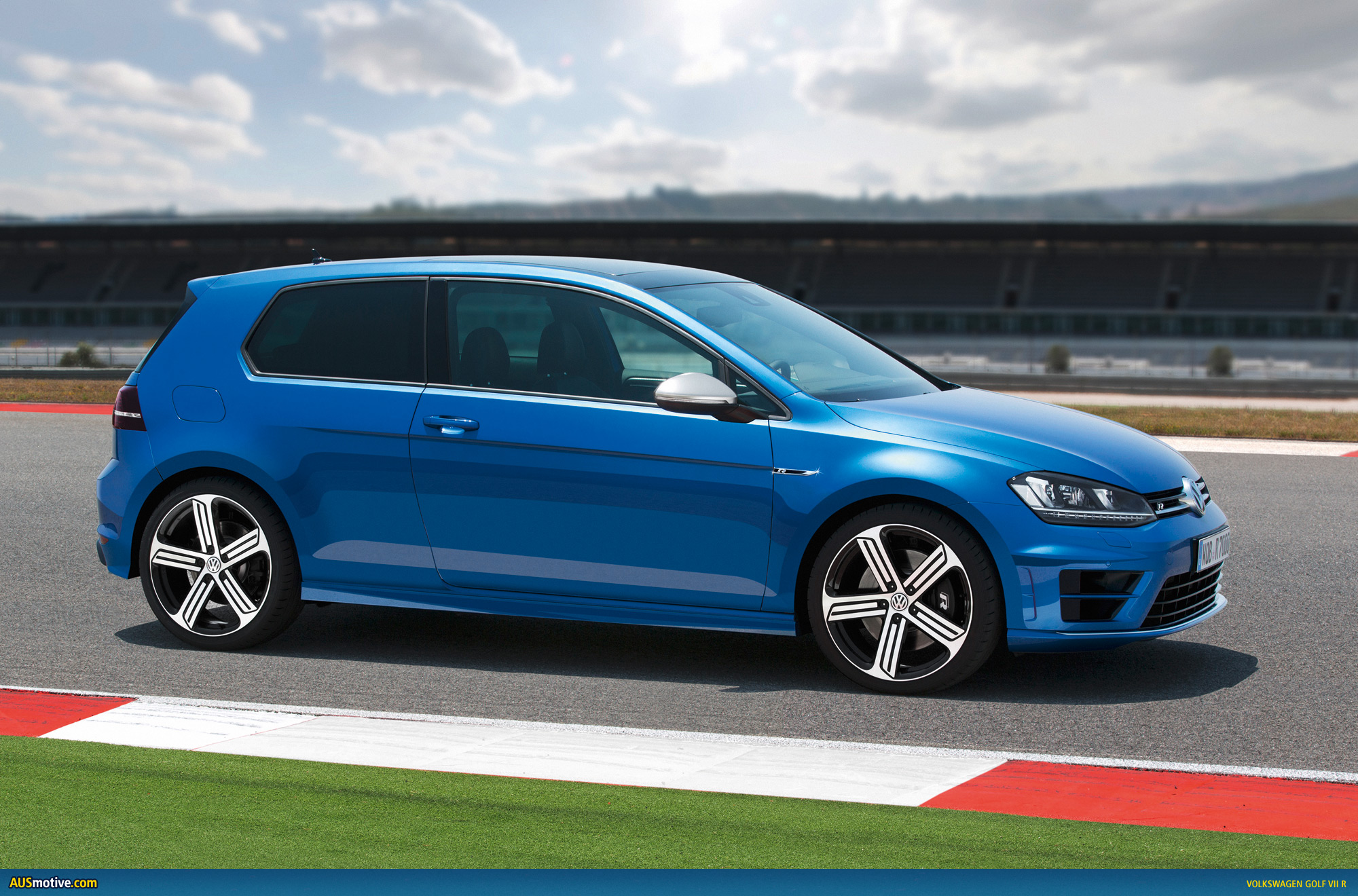 volkswagen golf vii r photo gallery. Black Bedroom Furniture Sets. Home Design Ideas