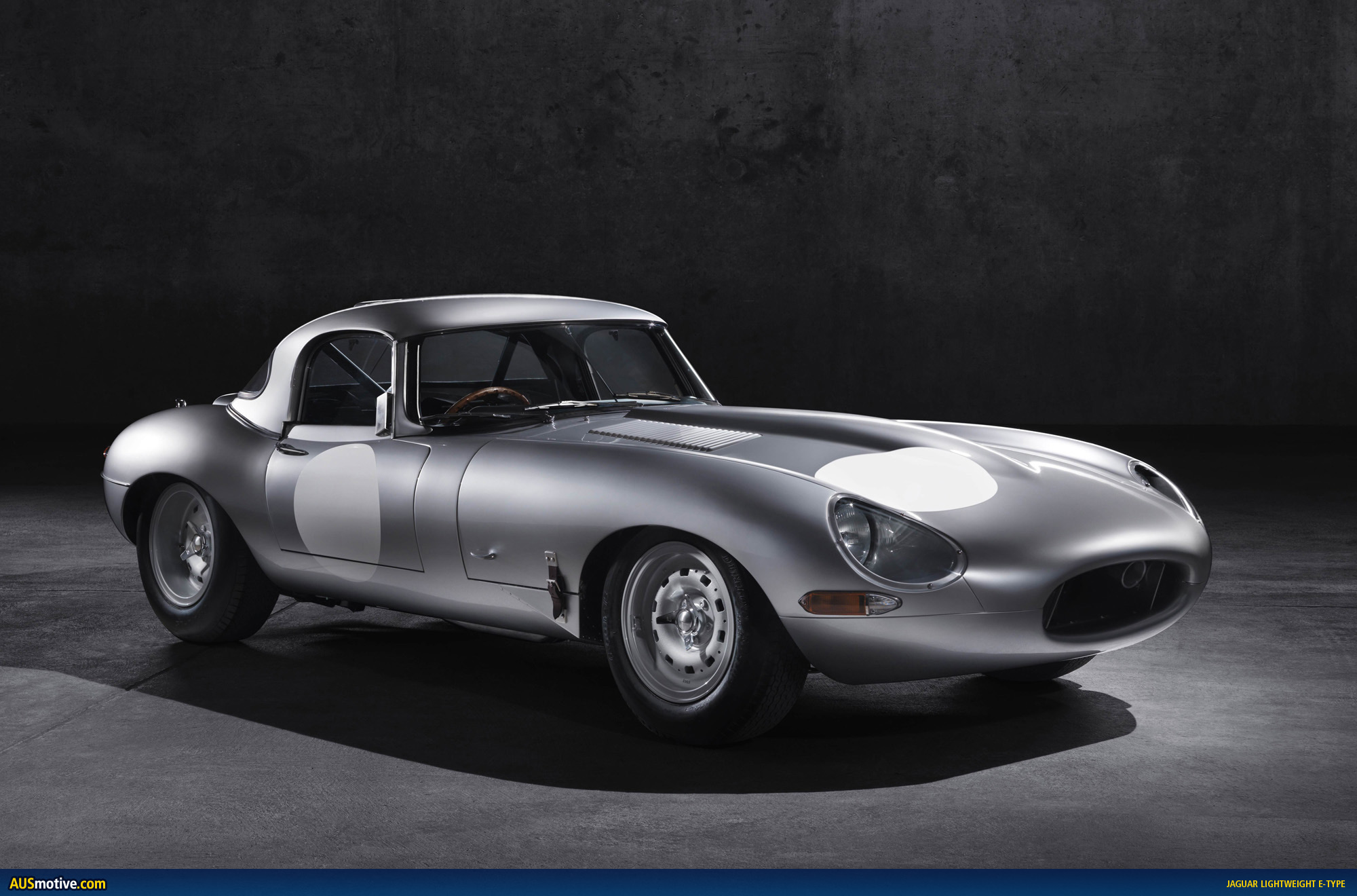 jaguar lightweight e type revealed. Black Bedroom Furniture Sets. Home Design Ideas