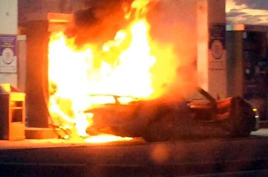 Porsche 918 fire