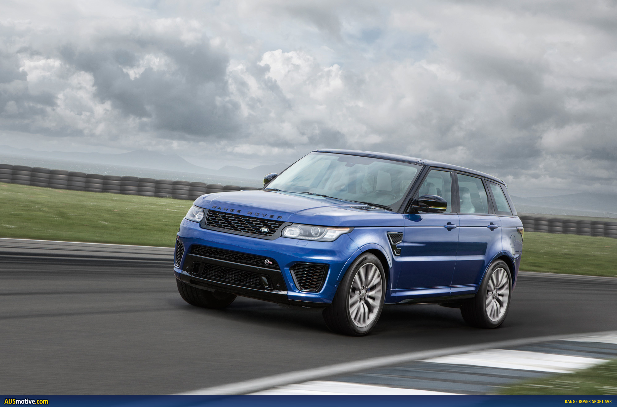 range rover sport svr revealed. Black Bedroom Furniture Sets. Home Design Ideas