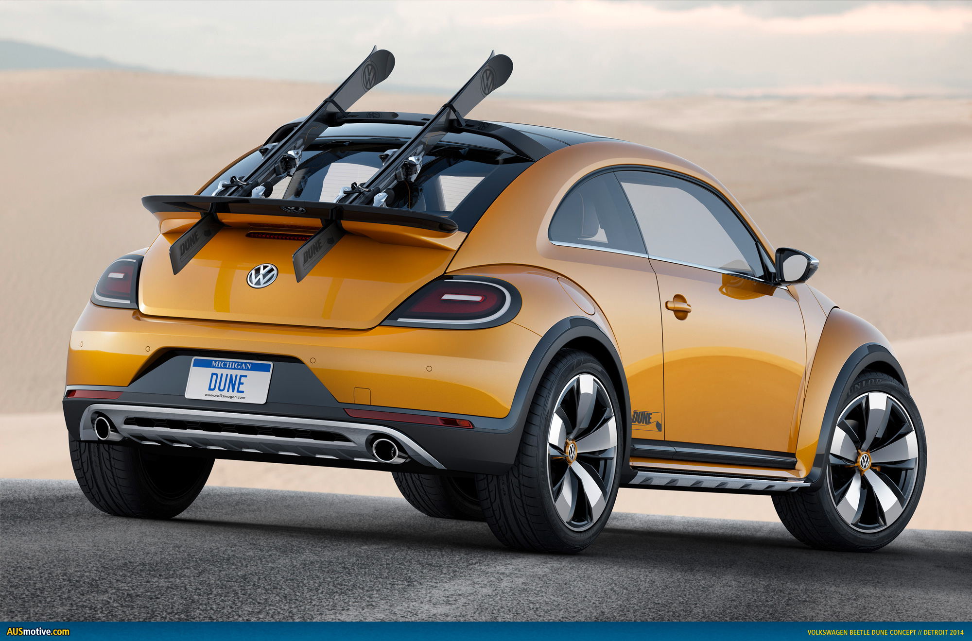 detroit 2014 volkswagen beetle dune concept. Black Bedroom Furniture Sets. Home Design Ideas