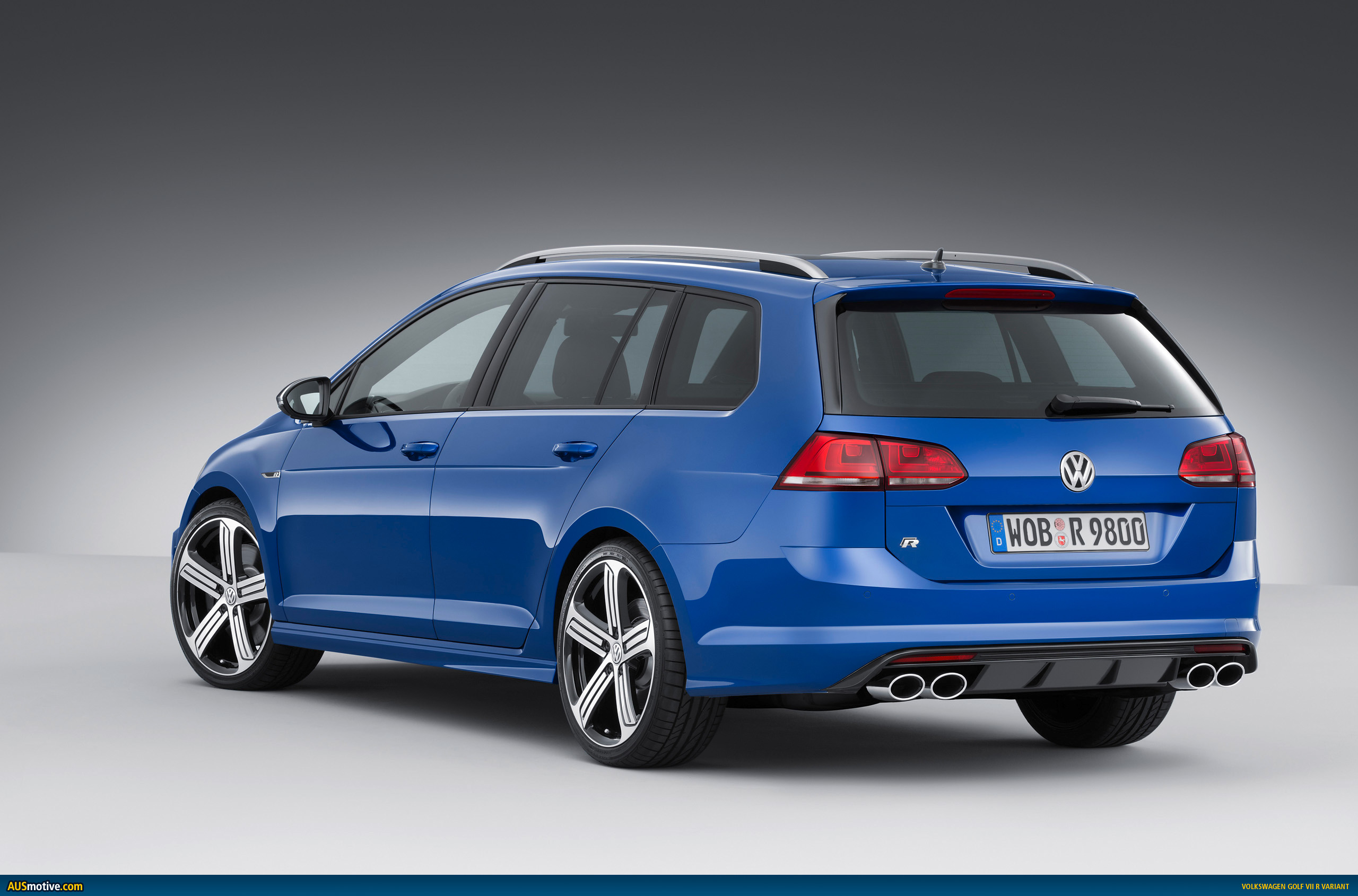 volkswagen golf r wagon revealed. Black Bedroom Furniture Sets. Home Design Ideas