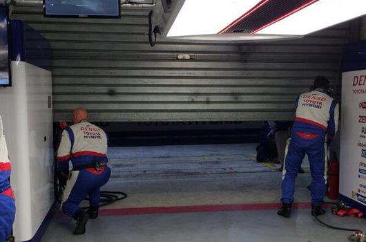 Lead Toyota TS040 retires from 2014 Le Mans