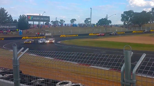 2015 Bathurst 12 hour last corner fight