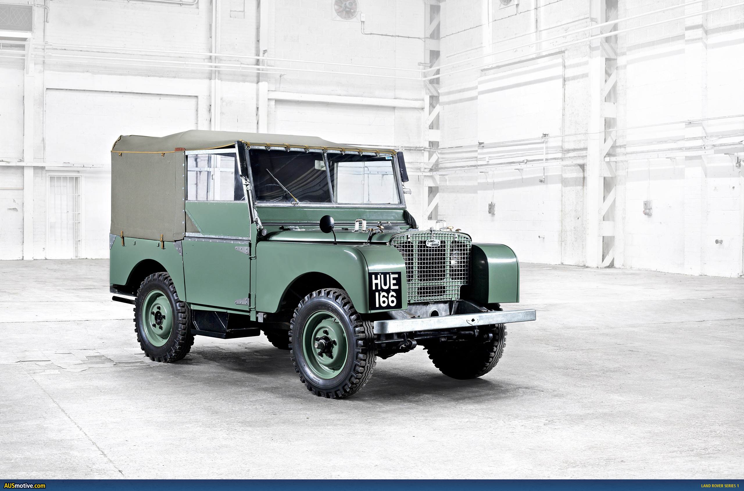 old skool land rover goodness. Black Bedroom Furniture Sets. Home Design Ideas